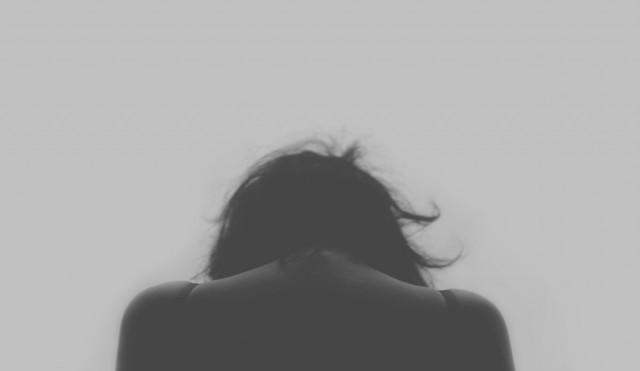 donna di spalle 640x371 - donna di spalle
